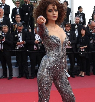 When Kangana Ranaut slayed us all with her iconic red carpet looks 4