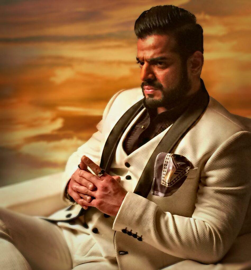 Yeh Hai Mohabbatein: Karan Patel rugged looks