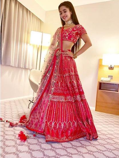 Yeh Rishta Kya Kehlata Hai: Shivangi Joshi's red hot looks 5