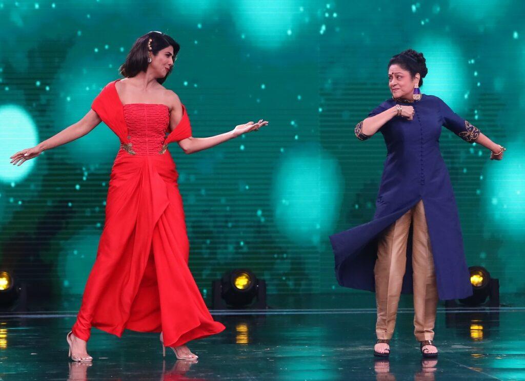 Zeenat Aman, Aruna Irani, Bindu on Super Dancer Chapter 3 5