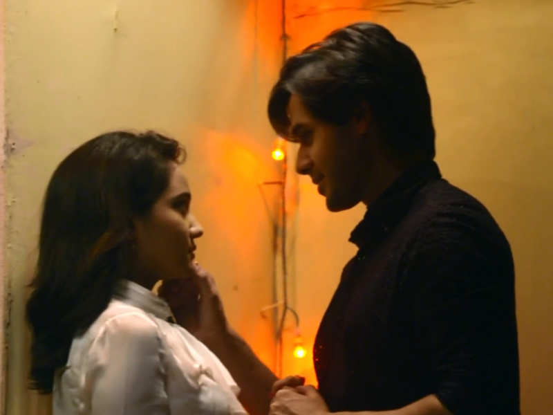 All the cute pictures of Yeh Un Dinon Ki Baat Hai's Naina and Sameer 5