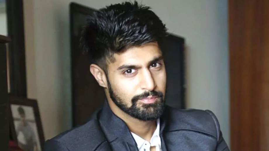 Attention Ladies! Check out this hunk of an actor from Code M, Tanuj Virwani 2