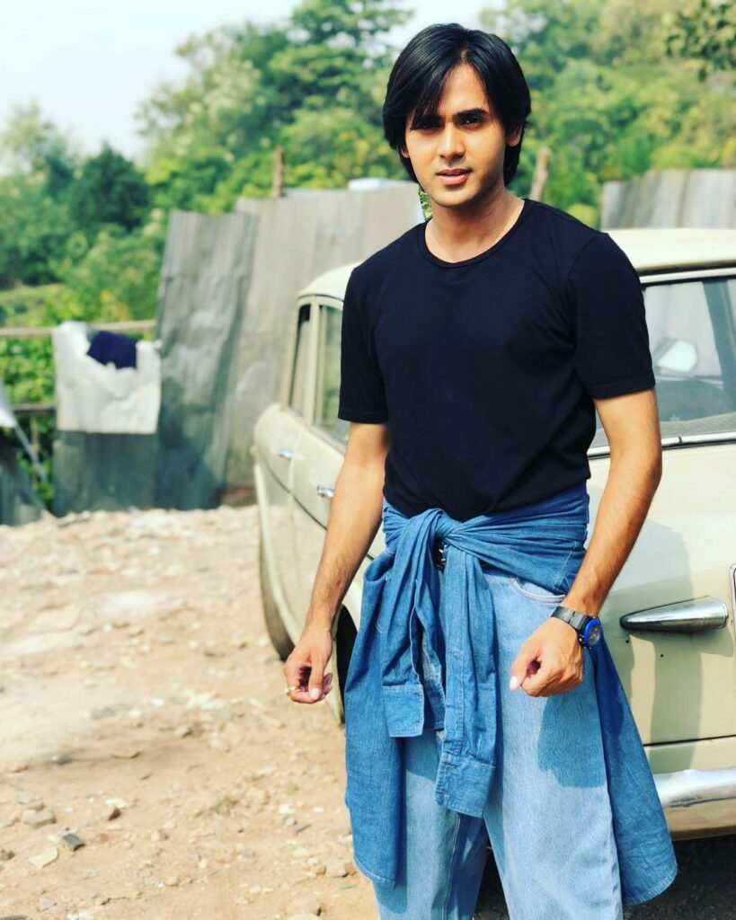 Cute and charming: Randeep Rai 1