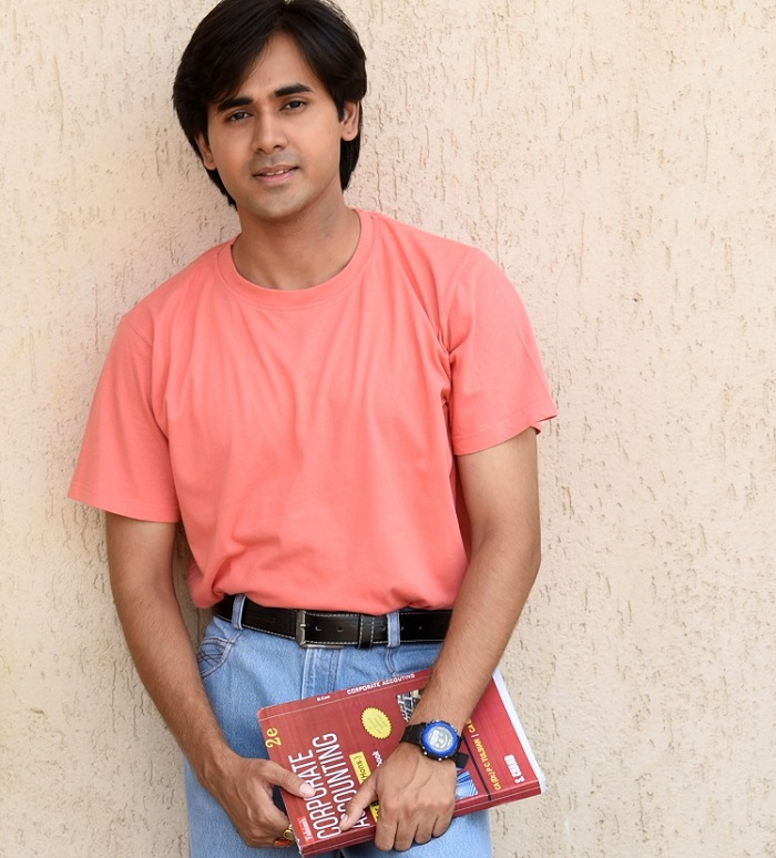 Cute and charming: Randeep Rai 3