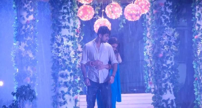 Naamkarann: Avni and Neil's rainy romance! 3