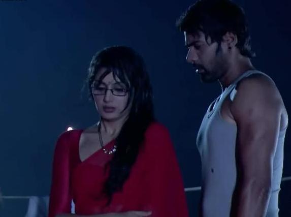 Rainy Romance of Kumkum Bhagya's Abhi and Pragya 3