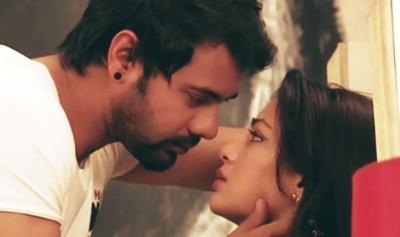 Rainy Romance of Kumkum Bhagya's Abhi and Pragya 5