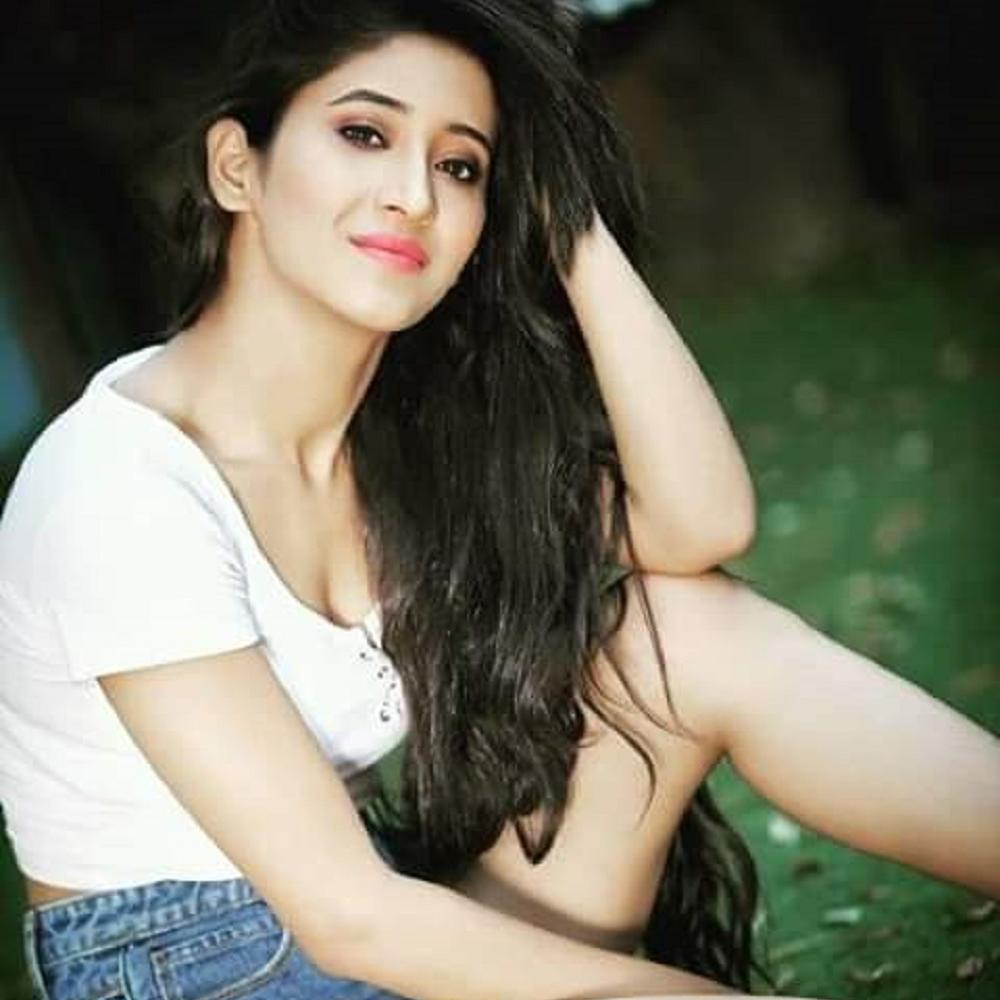 Shivangi Joshi: The ultimate TV queen 5