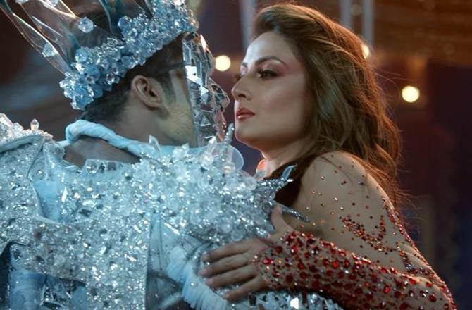 The exes on fire: Urvashi Dholakia and Anuj Sachdeva 3