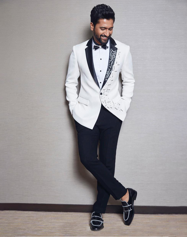 Vicky Kaushal and his sexy suit looks 4