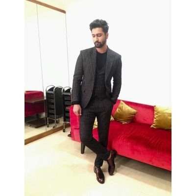Vicky Kaushal and his sexy suit looks 7