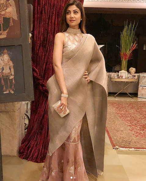 When Shilpa Shetty redefined sexy in a saree | IWMBuzz