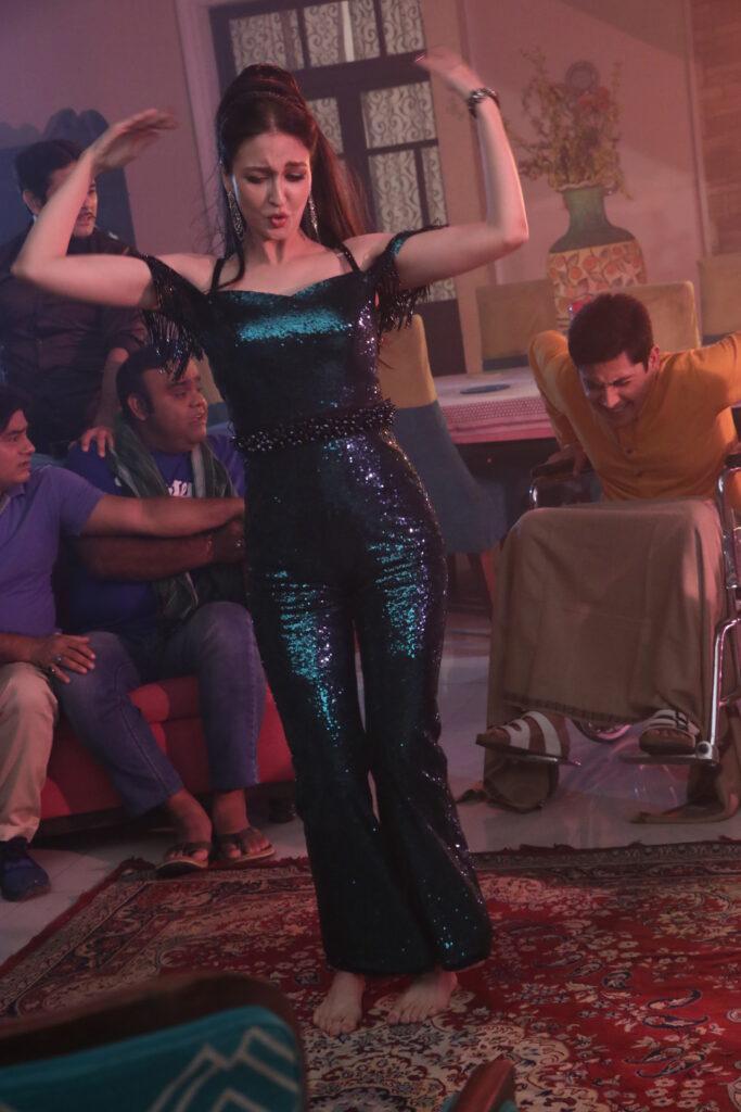 Bhabiji Ghar Par Hain: Aashif Sheikh reprises Mithun Chakraborty's look from Disco Dancer 4