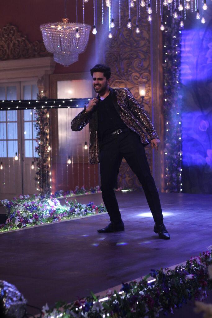 Ek Bhram Sarvagun Sampanna: Kabir and Pooja's sizzling dance 11