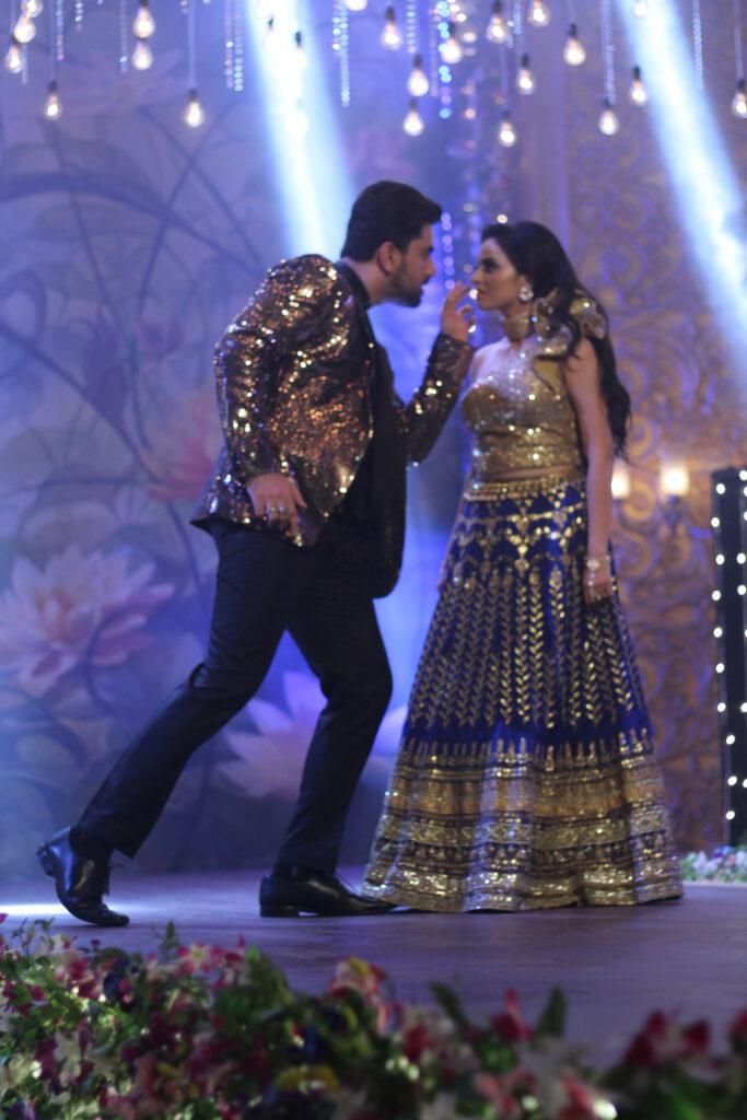 Ek Bhram Sarvagun Sampanna: Kabir and Pooja's sizzling dance 2