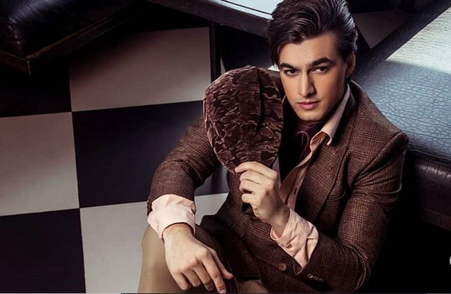 Eye-catching looks of TV's handsome hunk Mohsin Khan 3