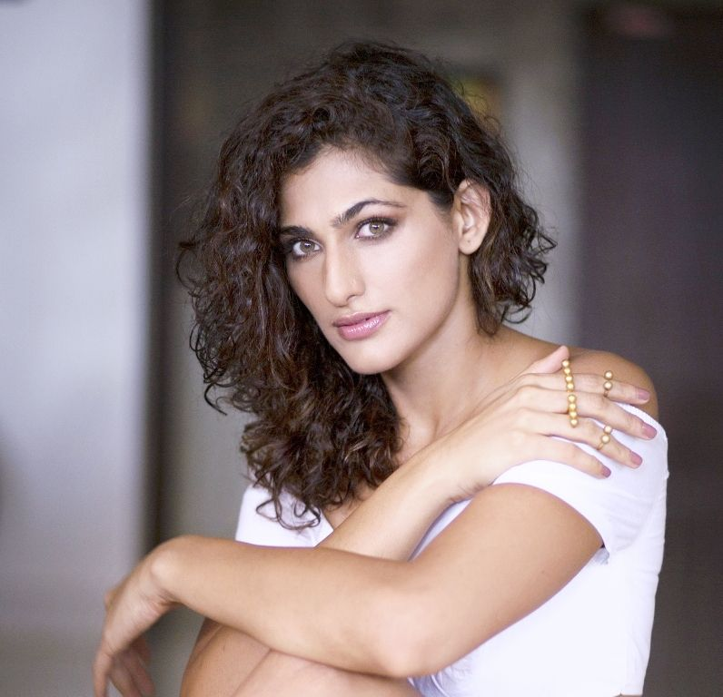 Here's why Kubra Sait is the Internet's favourite girl 1