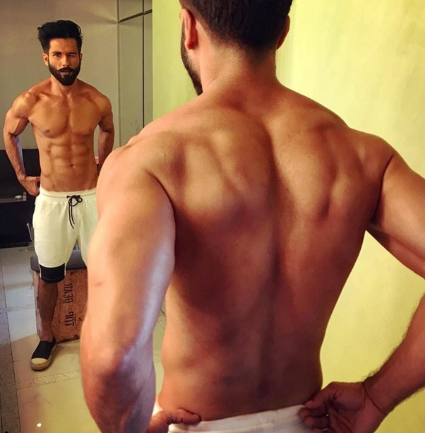 Hottest moments of Shahid Kapoor because you deserve it 1