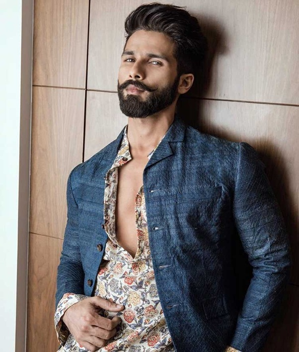 Hottest moments of Shahid Kapoor because you deserve it
