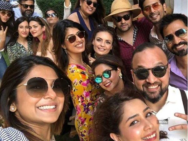 Jennifer Winget and her band of BFFs 2