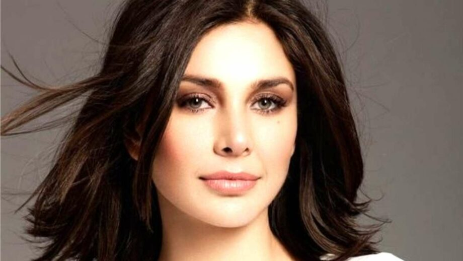 Lisa Ray cries foul at Saaho posters, charges them of plagiarism 1