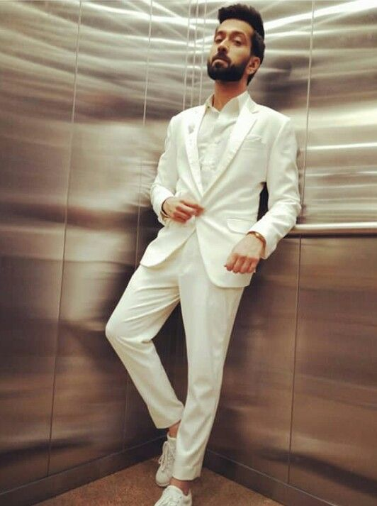 Nakuul Mehta And His Sexy Suit Looks 1