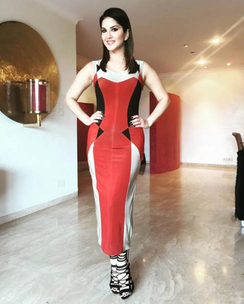Pictures of Splitsvilla host Sunny Leone will give you style goals  3