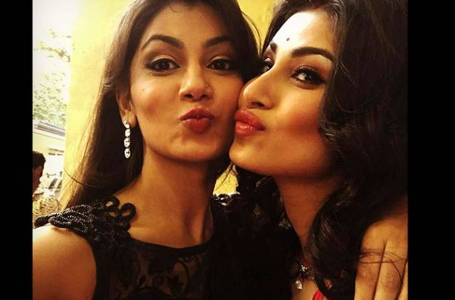 Pictures of Sriti Jha And Mouni Roy That Define Friendship
