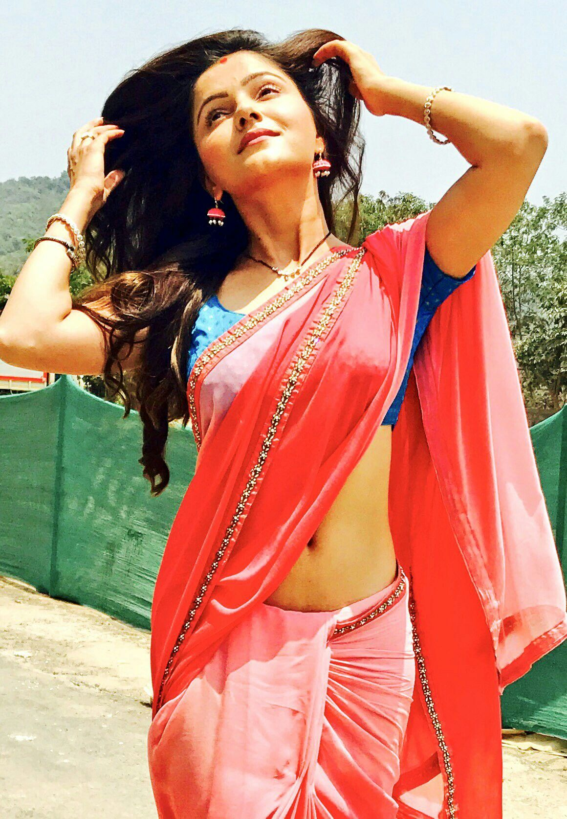 Rubina Dilaik redefines sexy every times steps out in a saree 1