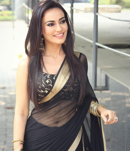 Surbhi Jyoti redefines sexy every time she steps out in a saree 1