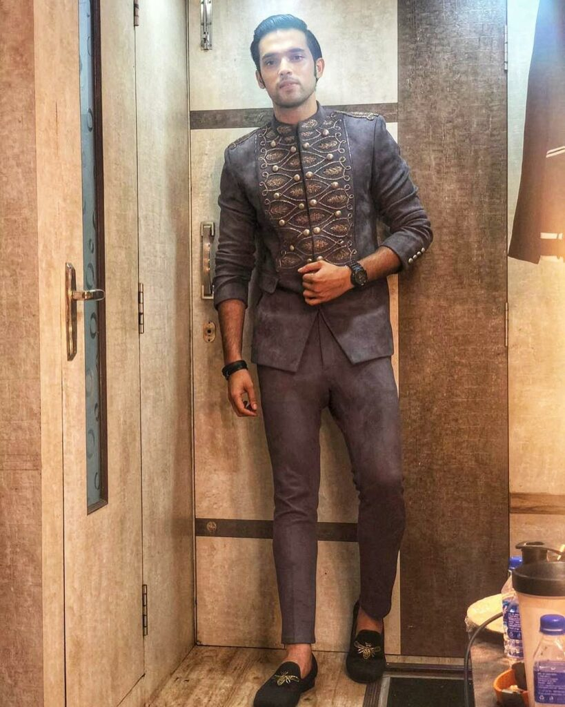 The sexy suit looks of heartthrob Parth Samthaan 2