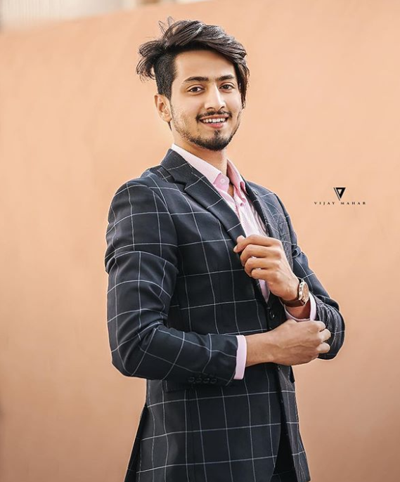 TikTok star Faisu and his suit looks 4