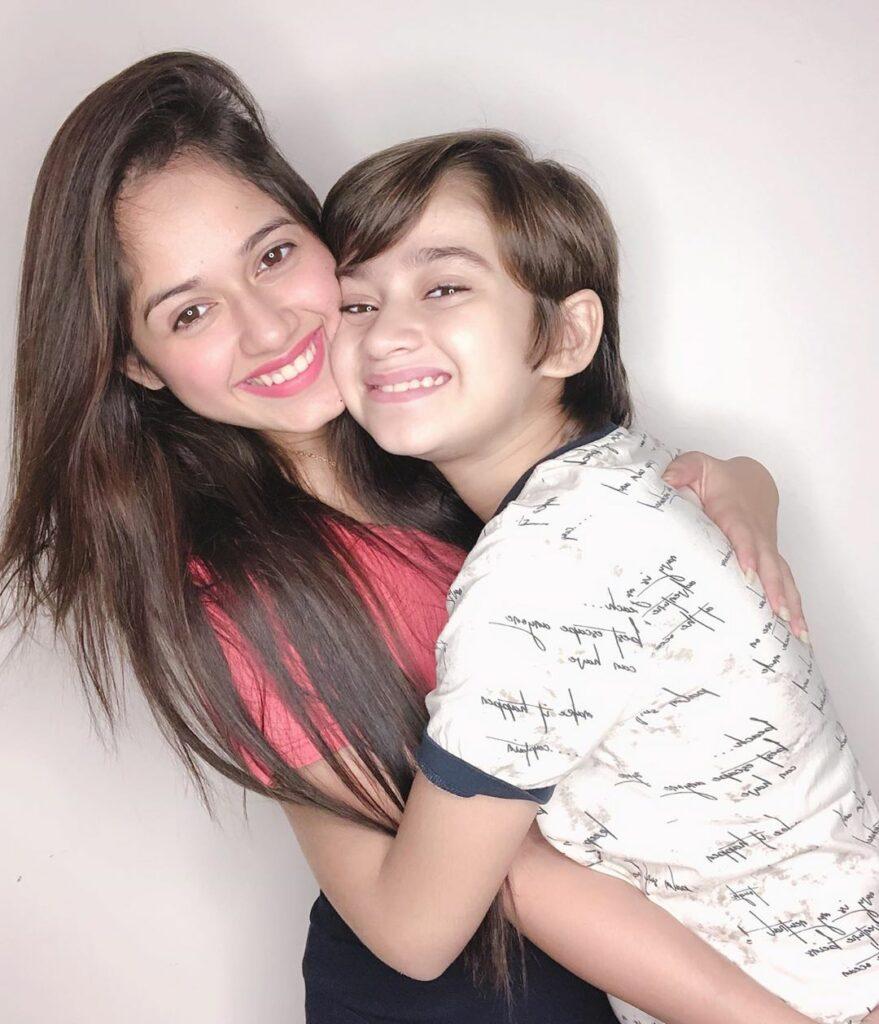 TikTok star Jannat Zubair is a family girl 1