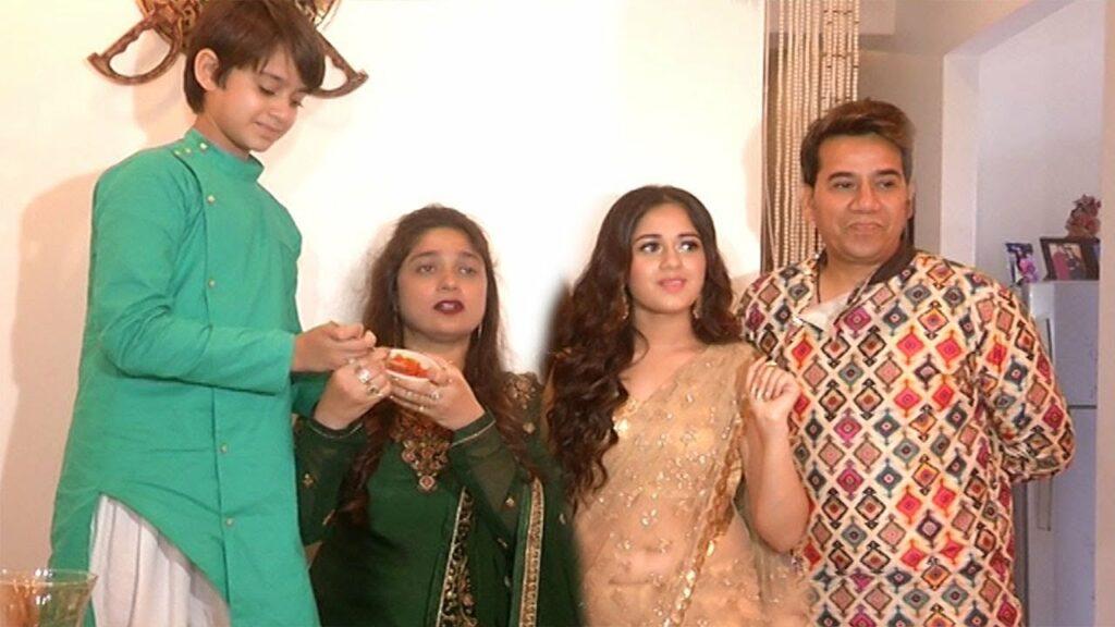 TikTok star Jannat Zubair is a family girl 6