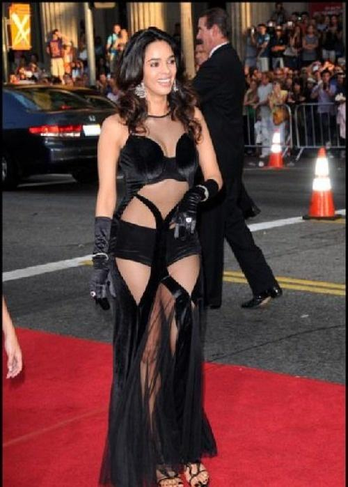 Top Fashion Disasters on the red carpet by Bollywood Divas 1