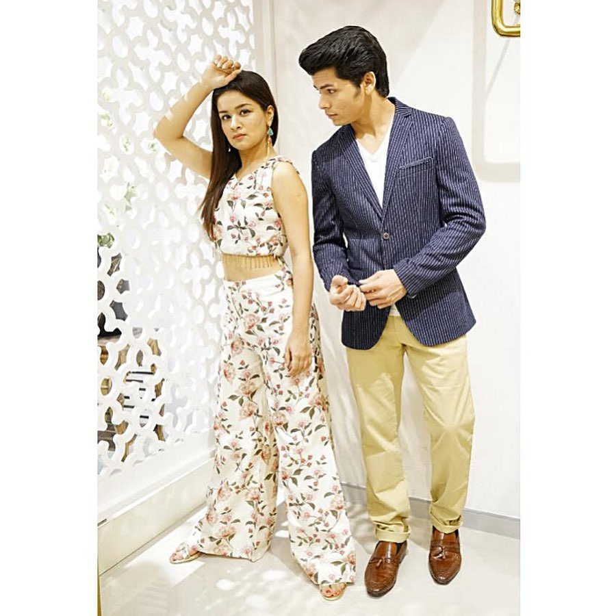 Avneet Kaur and Siddharth Nigam caught on camera 5