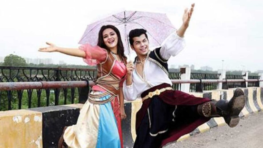 Avneet Kaur and Siddharth Nigam caught on camera