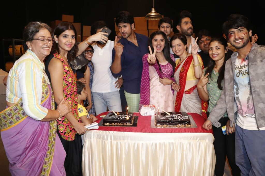 Guddan Tumse Na Ho Payega team celebrates one year completion 7