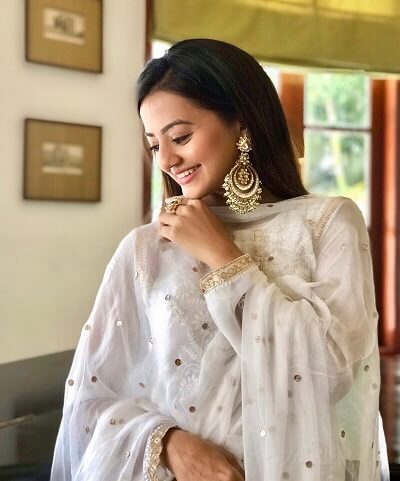 Helly Shah's Fashion Game: yay or nay? 2