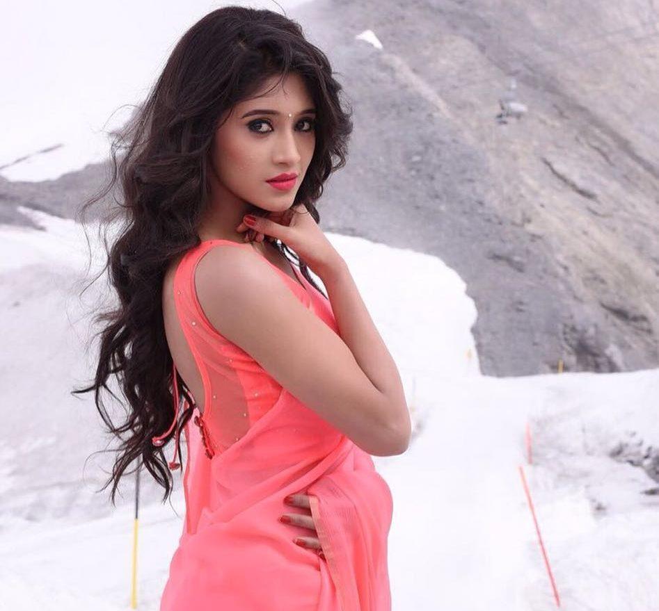 Here's some cuteness from Shivangi Joshi to brighten your day 6