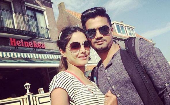 Hina Khan and Rohit Jaiswal's pictures are giving us major relationship goals 1