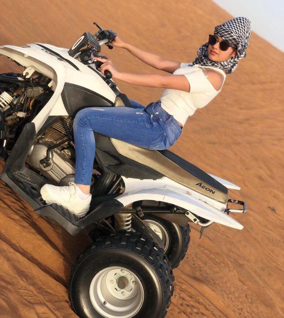 Instagram Style Queen of The Week: TikTok star Jannat Zubair 7