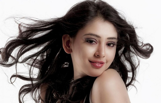 Niti Taylor is our Beauty Queen of the week 2