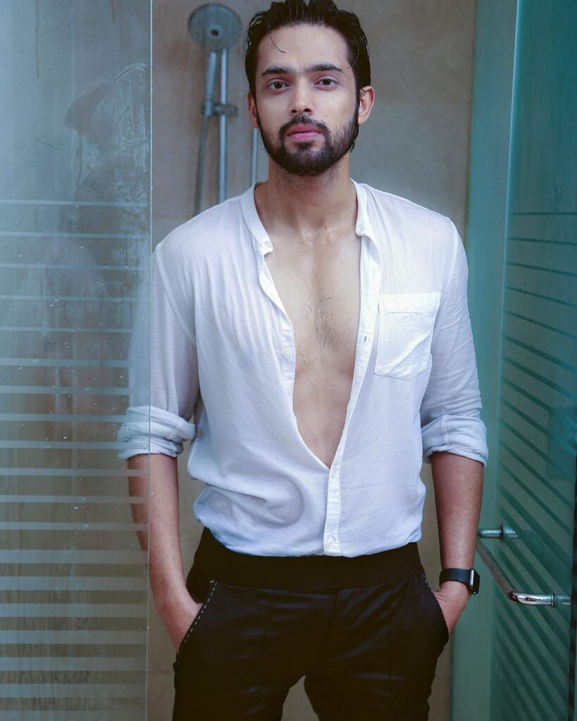 Our favorite TV superstar Parth Samthaan's style game is always on point 7