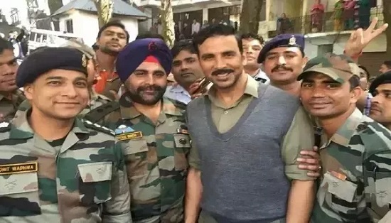 Reasons Why Akshay Kumar Is the Perfect Role Model Celebrity 4