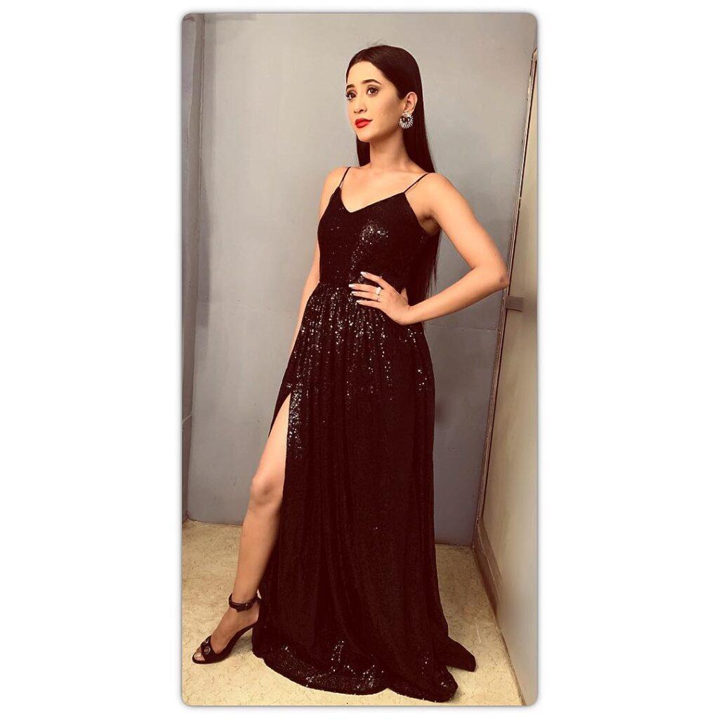 Stunning glam pics of Shivangi Joshi 2