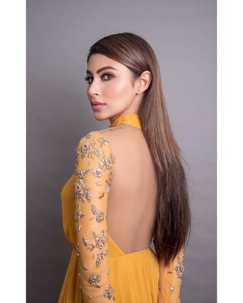The crush of the month: Mouni Roy 2
