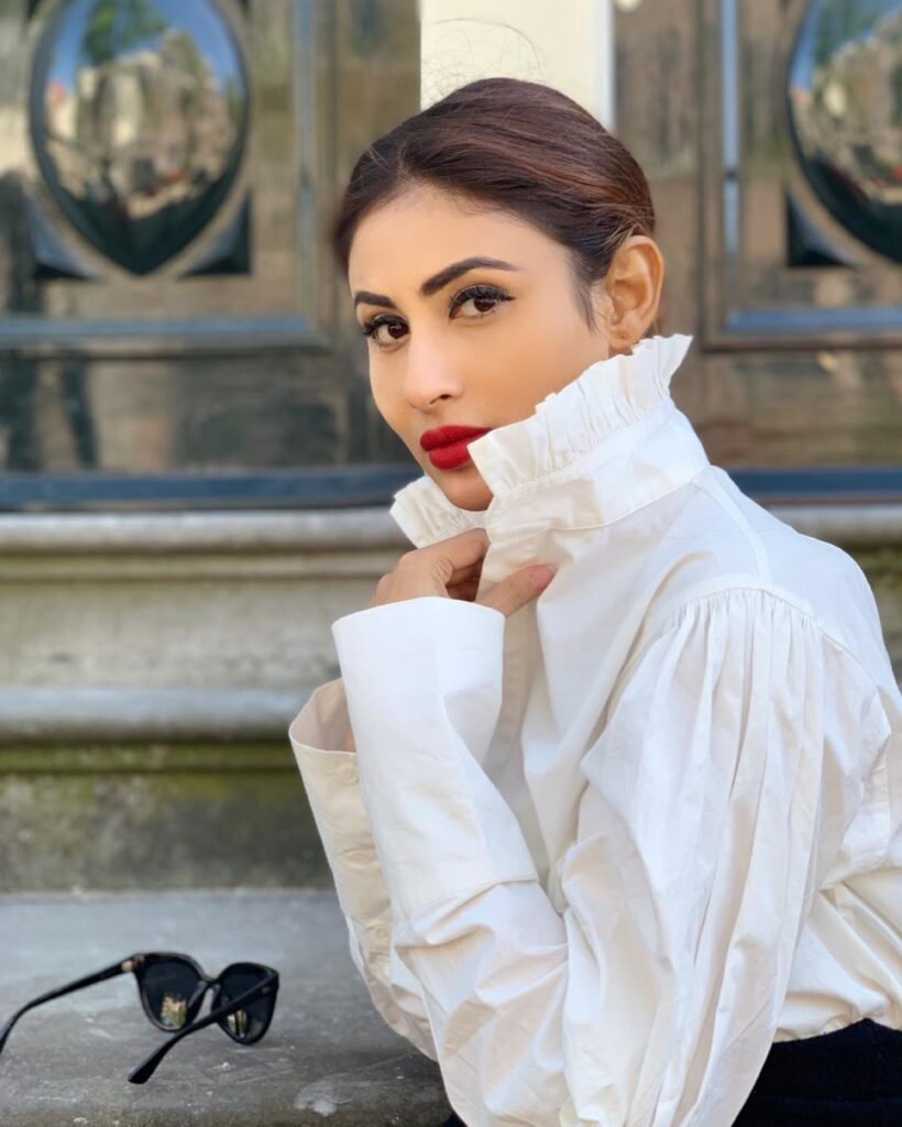 The crush of the month: Mouni Roy 3