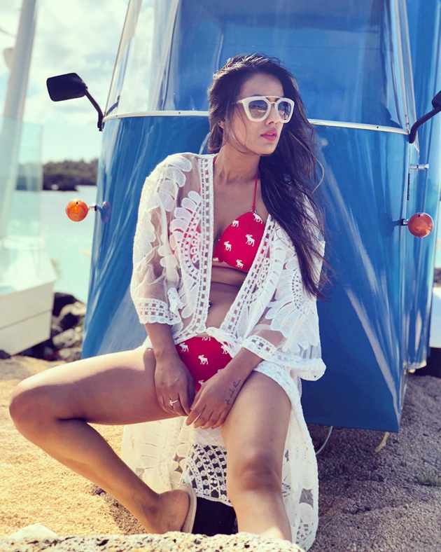 These beautiful pictures of Nia Sharma will brighten your day instantly 7