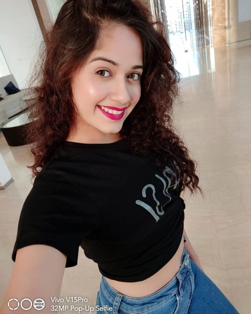 TikTok star Jannat Zubair is a Selfie Queen. Here's proof 2